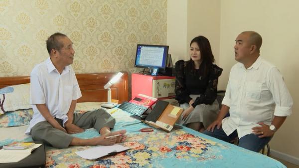 Thầy giáo Nguyễn Ngọc Ký: 11 năm chạy thận, tập gõ phím bằng ngón chân để theo kịp thời đại