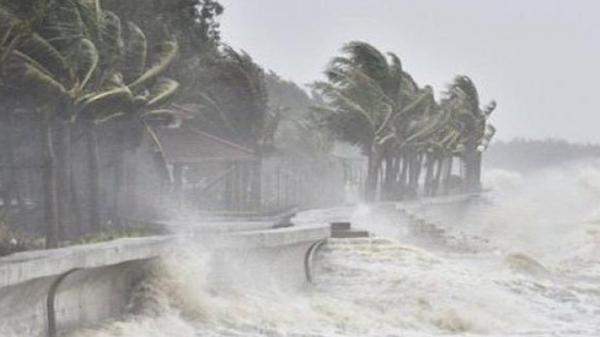 Bão số 5 suy yếu thành áp thấp nhiệt đới đổ bộ vào Đà Nẵng - Bình Định