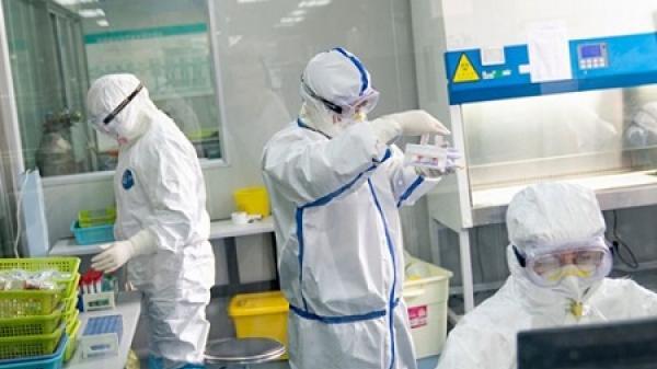 Vì sao Bộ Y tế vẫn chưa thể tiến hành tiêm vắc xin COVID-19 AstraZeneca cho các đối tượng ưu tiên?