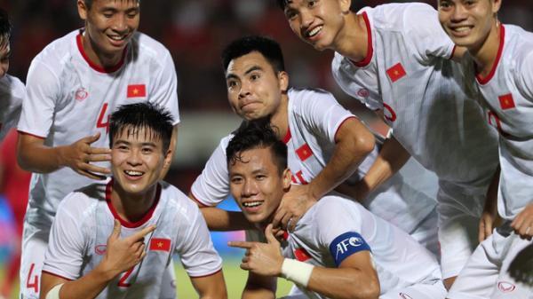 """Đánh canh bạc liều lĩnh, thầy trò HLV Park Hang-seo thắng """"tâm phục khẩu phục"""" Indonesia"""
