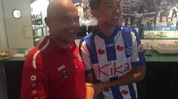 HLV đội SC Heerenveen mang tin vui cho Đoàn Văn Hậu