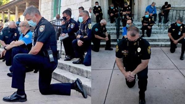 Cảnh sát Mỹ quỳ gối cùng người biểu tình