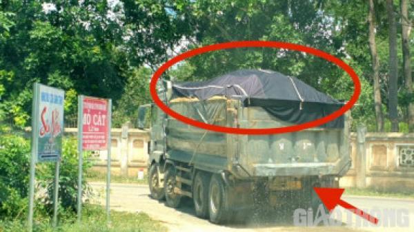 Bình Định: Cận cảnh xe chở cát rơi vãi, phá cầu đường huyện lộ đến quốc lộ