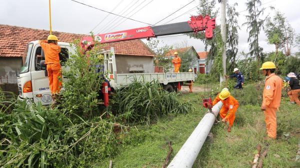 Ngành điện Thừa Thiên Huế tập trung khắc phục sự cố sau mưa lũ
