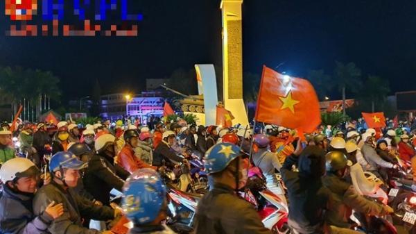 Người dân Tây Nguyên ra đường mừng U22 Việt Nam vô địch