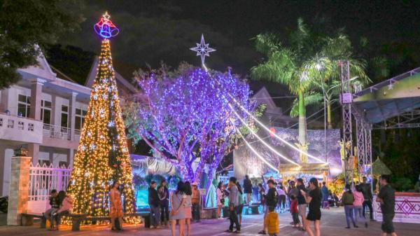 Rộn ràng không khí chuẩn bị đón Giáng sinh ở Đắk Lắk