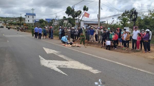 Đắk Lắk: Cụ ông bị mô tô tông tử vong khi đi lãnh lương hưu