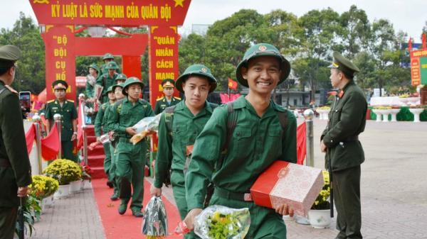 Gần 3000 thanh niên Đắk Lắk lên đường nhập ngũ