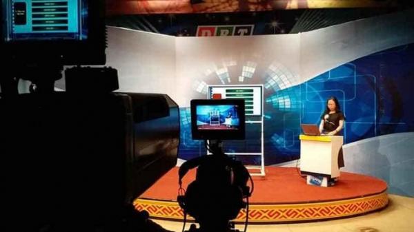Đắk Lắk dạy học trên truyền hình cho học sinh khối 12