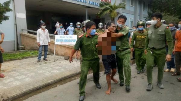 Quảng Ngãi: Khống chế một thanh niên mang xăng đốt phòng khám của bệnh viện