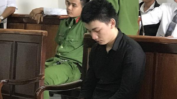 Ngồi tù vì 'yêu' bạn gái nhí 15 tuổi