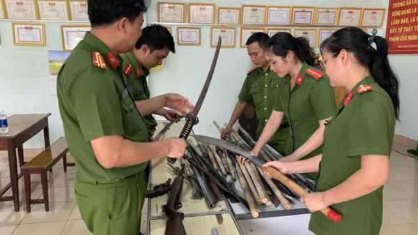 Đắk Lắk: Tuyên truyền vận động người dân giao nộp hơn 100 vũ khí, vật liệu nổ, công cụ hỗ trợ