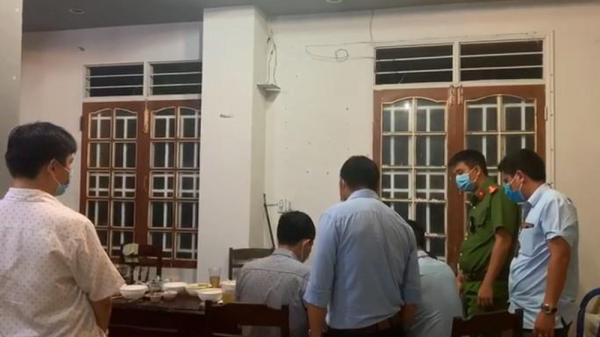 Đắk Lắk: Tụ tập ăn nhậu khi khi cách ly xã hội phòng Covid-19, 7 người bị phạt 35 triệu đồng