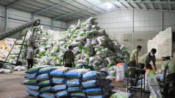 Đắk Lắk: Phát hiện kho phân bón dỏm, hết hạn và không nhãn mác