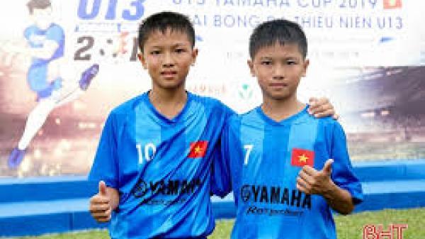 Cặp song sinh người Hà Tĩnh trong màu áo U13 Đắk Lắk
