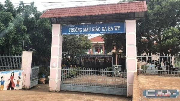 Đắk Lắk: Con chưa đi học, phụ huynh đã phải vay mượn tiền nộp cho nhà trường