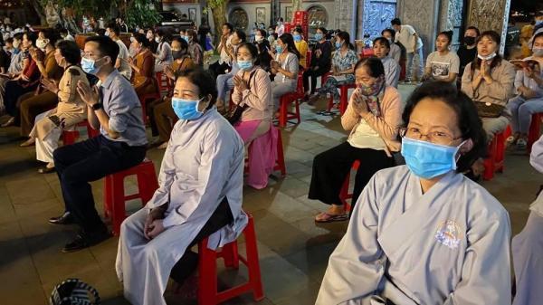 Đắk Lắk: Hàng nghìn người tới chùa dâng lễ Vu Lan báo hiếu