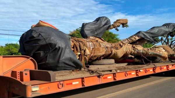 Đắk Nông: Xe chở cây 'khủng' thông chốt CSGT vào ngày nghỉ lễ 2/9