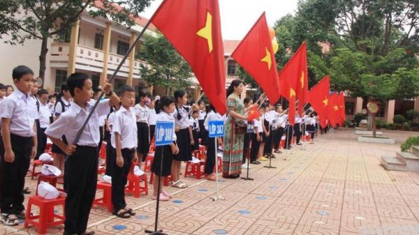Đắk Lắk: Tặng hơn 39.000 MBH cho học sinh lớp 1 nhân ngày tựu trường