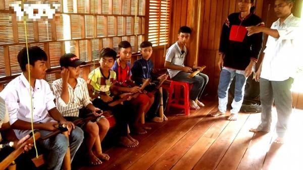 Đắk Lắk: Người góp phần gìn giữ nhịp chiêng ở Cư Drăm