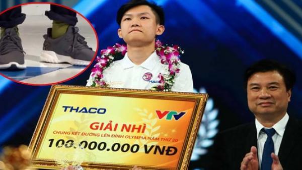 Đôi vớ của cha nâng bước chân người con Đắk Lắk vào trận chung kết Olympia