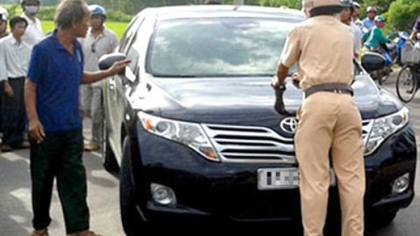Đắk Nông: Bắt ô tô chạy quá tốc độ, công an phát hiện kẻ chuyên làm giấy tờ giả