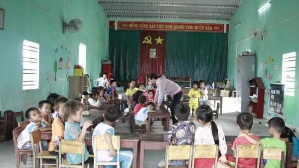 Đắk Lắk: Yêu cầu báo cáo vụ không có nhà vệ sinh, học sinh phải đi vào bô, cô đổ nhờ nhà dân!
