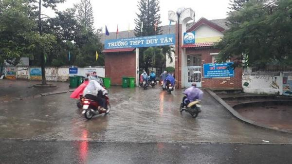 Kon Tum: Đội mưa bão đến lớp mới biết nghỉ học