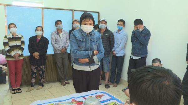 Đắk Lắk: Vây bắt hàng chục đối tượng đánh bầu cua trên vỉa hè