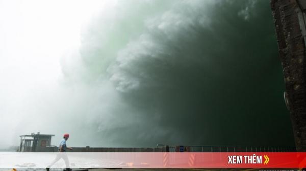 """Hồng thủy tấn công: Điều khiến Trung Quốc """"khóc hận"""" khi hệ thống hồ chứa cả nước """"thất thủ"""""""