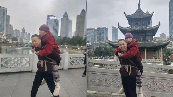 Người đàn ông dùng dây buộc mẹ già trên lưng đi du lịch, câu chuyện khiến CĐM xúc động mạnh