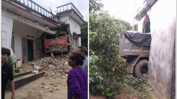 Ô tô tải đâm xuyên qua vườn, qua tường nhà dân - hiện trường khiến tất cả hoảng sợ