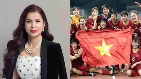 Bà Lê Hoàng Diệp Thảo thưởng tuyển nữ VN 100 triệu đồng và 1 năm uống King Coffee, tặng riêng cầu thủ vàng 50 triệu đồng