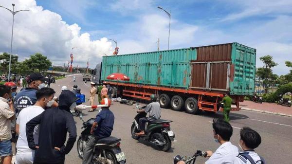 Bình Định: Tai nạn kinh hoàng, 2 phụ nữ tử vong thương tâm dưới gầm xe đầu kéo