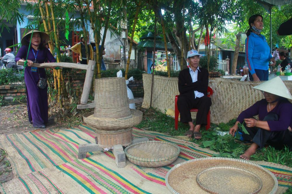 Hoạt động trình diễn thao tác sinh hoạt và sản xuất nông nghiệp sẽ được tái hiện tại phiên chợ đêm Cầu ngói Thanh Toàn.