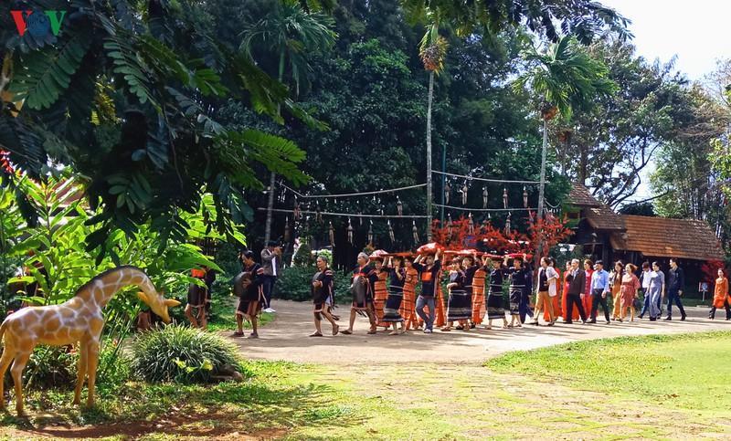 Các tour kích cầu đã góp phần nâng cao số khách du lịch đến với Đắk Lắk thời gian gần đây.